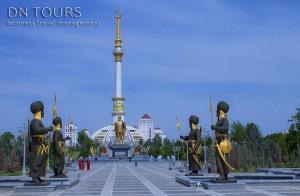 Монумент независимости (1) Ашхабад Туркменистан
