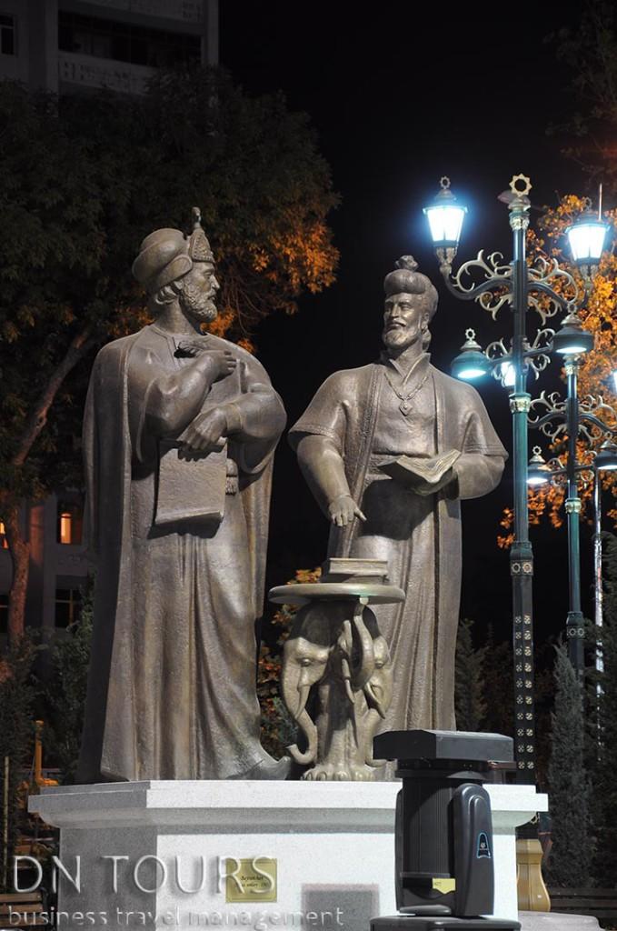 Статуя, Ашхабад Туркменистан (8)