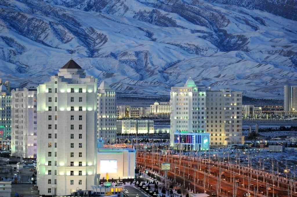 Зима в Ашхабаде, Туркменистан