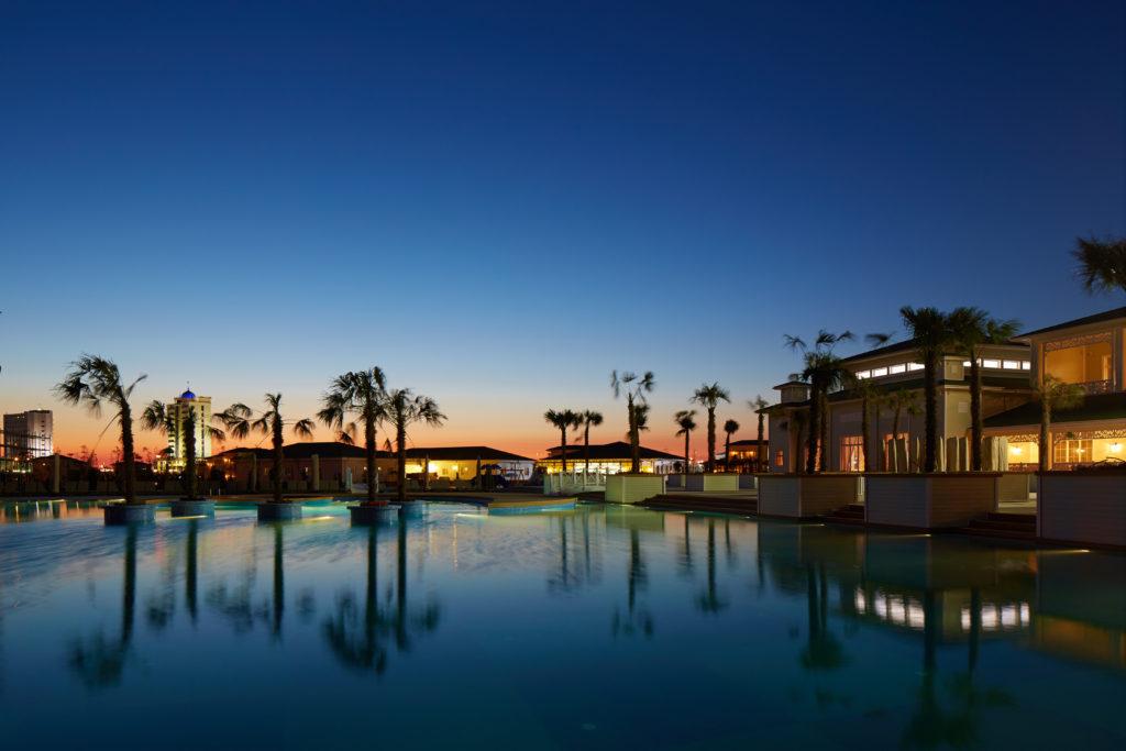 Отель Елкен бассейн на закате