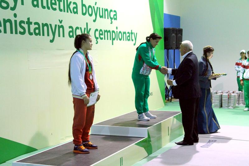 Награждение чемпионов в Ашхабаде