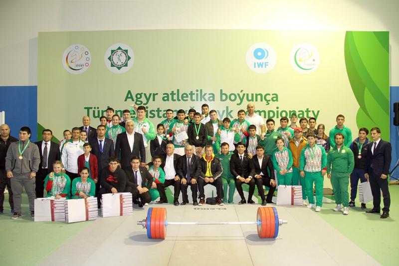 команда тяжеловесов Туркменистан