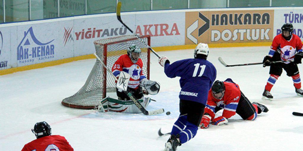 Хоккейный матч в Ашхабаде