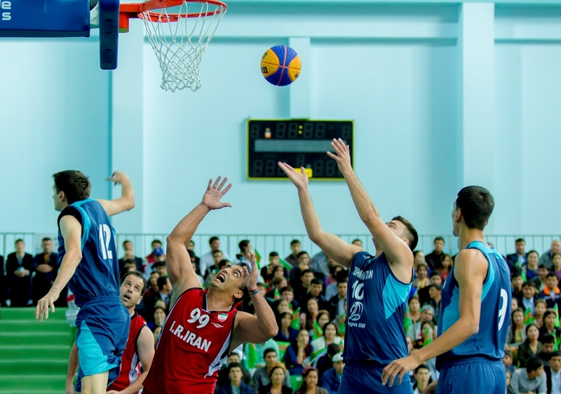 соревнования по баскетболу среди мужчин