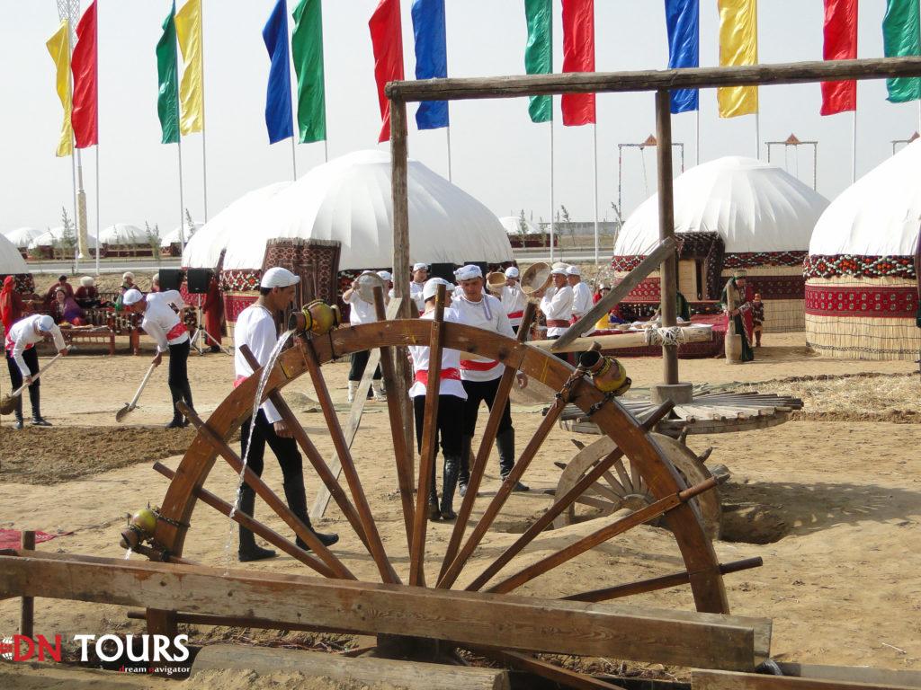 Театральная постановка праздник Новруз Туркменистан