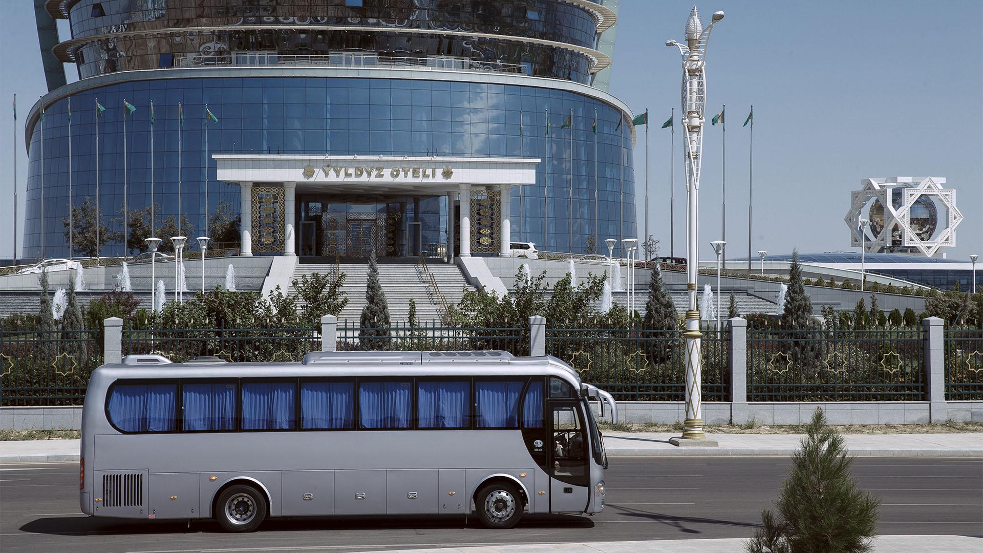 Ford Explorer, DN Tours business travel agency, rent a car Ashgabat Turkmenistan