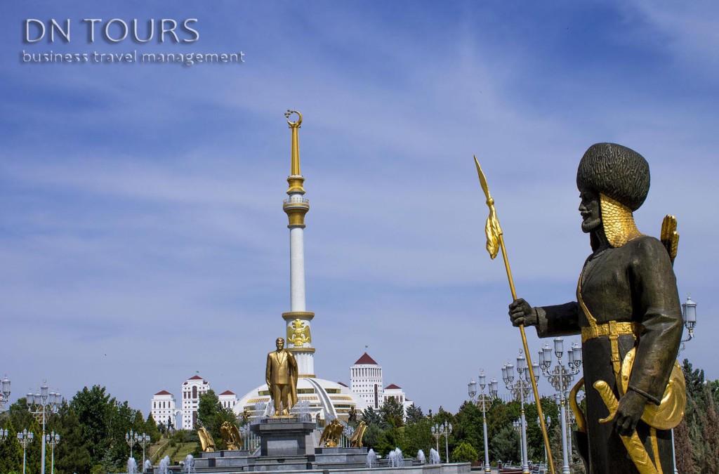 Монумент Независимости, Ашхабад Туркменистан (10)