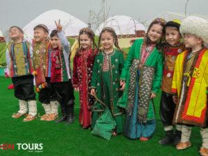 Дети на празднике Новруз